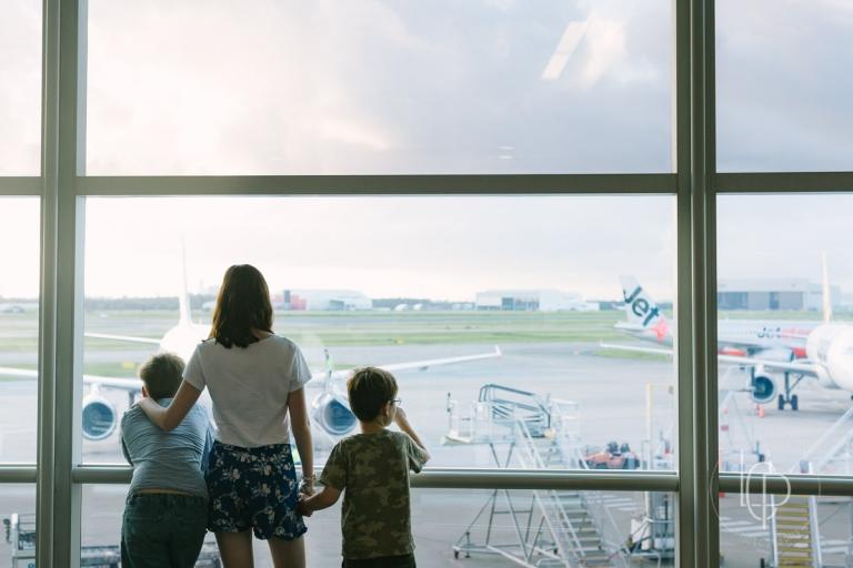 heart-photograph-airport